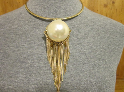 Attractive Large Faux Pearl & Tassel Choker Necklace