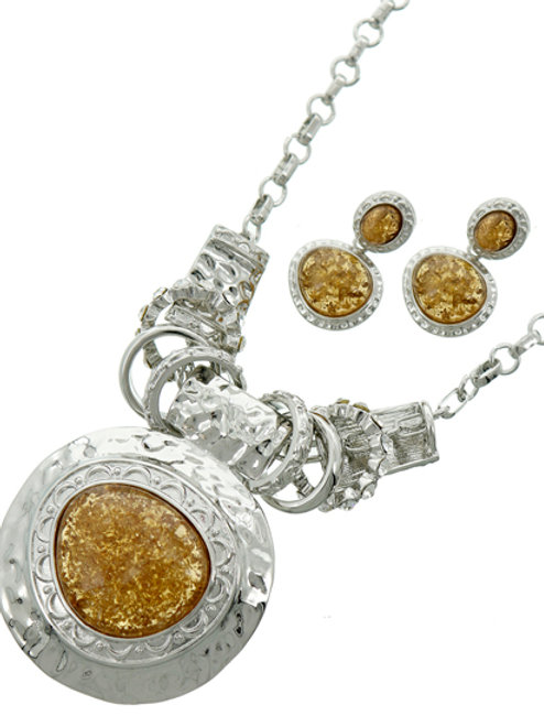 Gorgeous Silver Tone Necklace Set