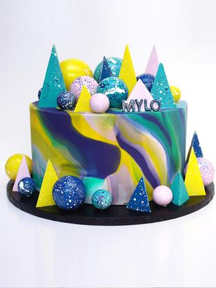 MYLO CAKE 2.jpg