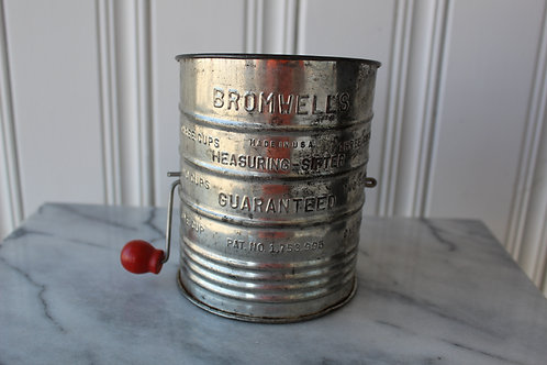 Bromwell Vintage Farmhouse Charm Measuring Flour Sifter Red Wooden Knob