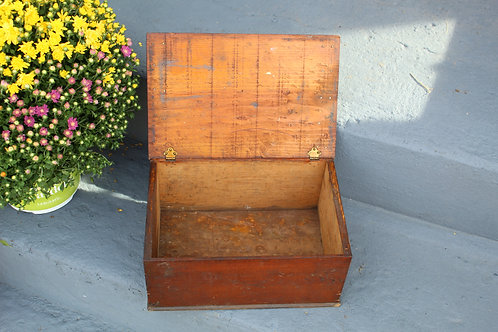 Vintage Farmhouse Wood Storage Box with hinged Lid