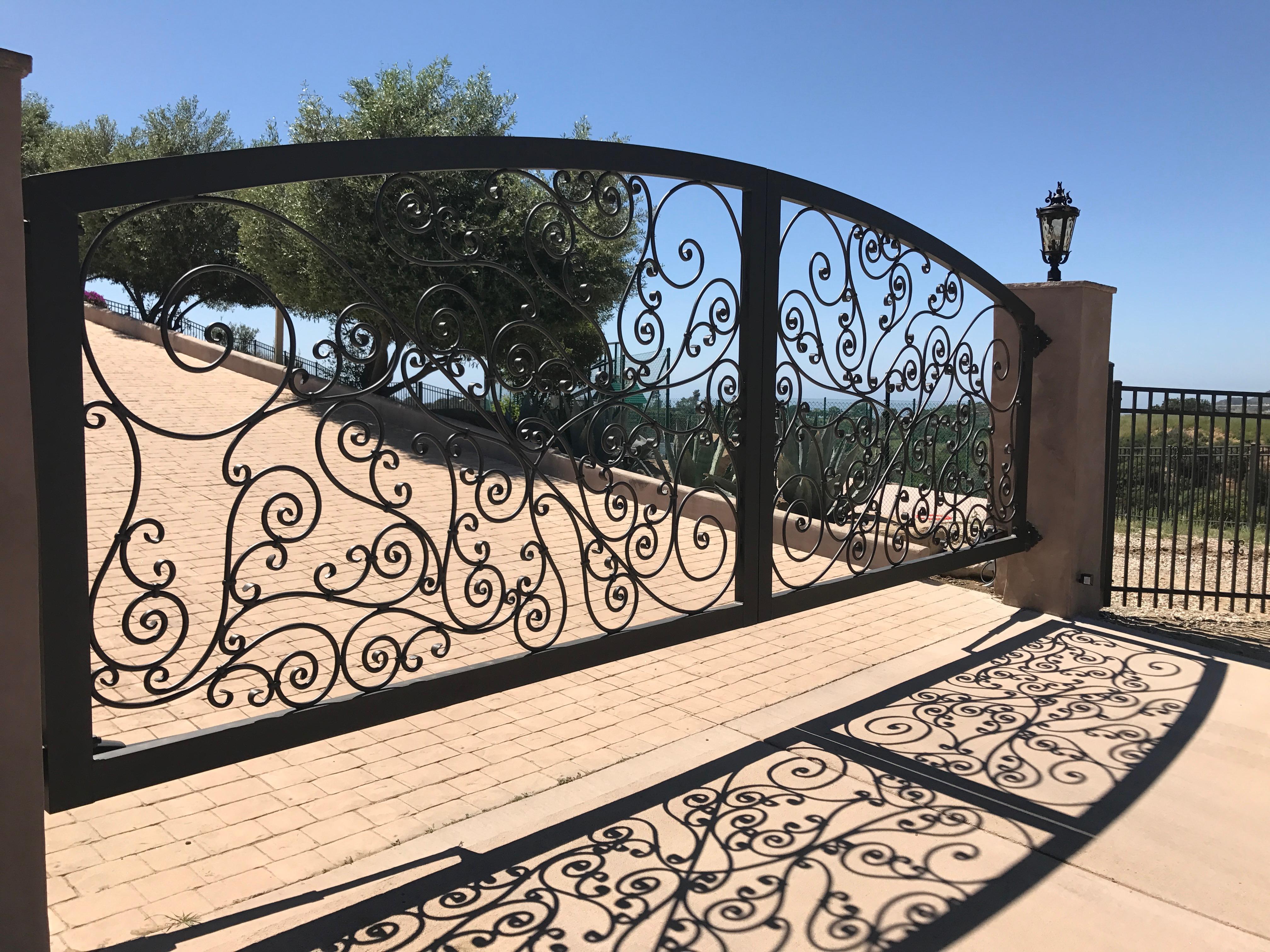 Aluminum Metal Scrolls Gate