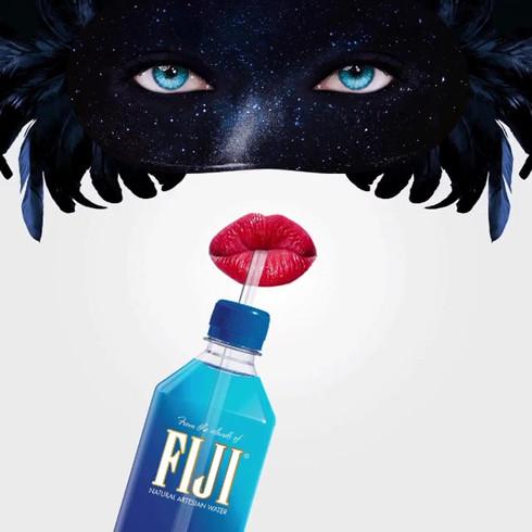Drinks_080 (_fijiwater).mp4