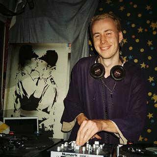 DJ LUVU
