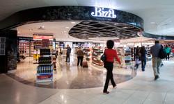 Biza, Manchester Airport - IMG_9356.jpg