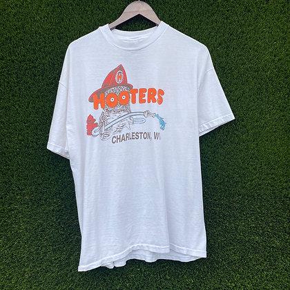 It's a Hoot | Vtg Hooters T-shirt