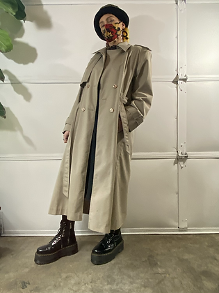Inspector gadget   Vintage beige trench coat