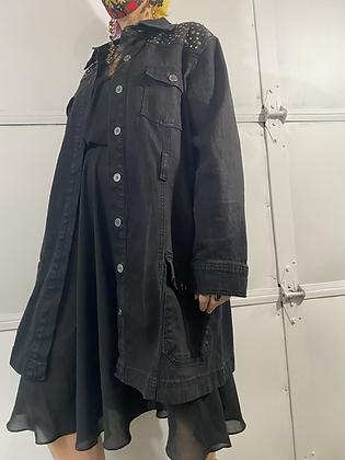 Stud muffin| 90's studded black denim jacket