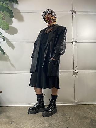 Shoulders  | 80's vintage leather jacket