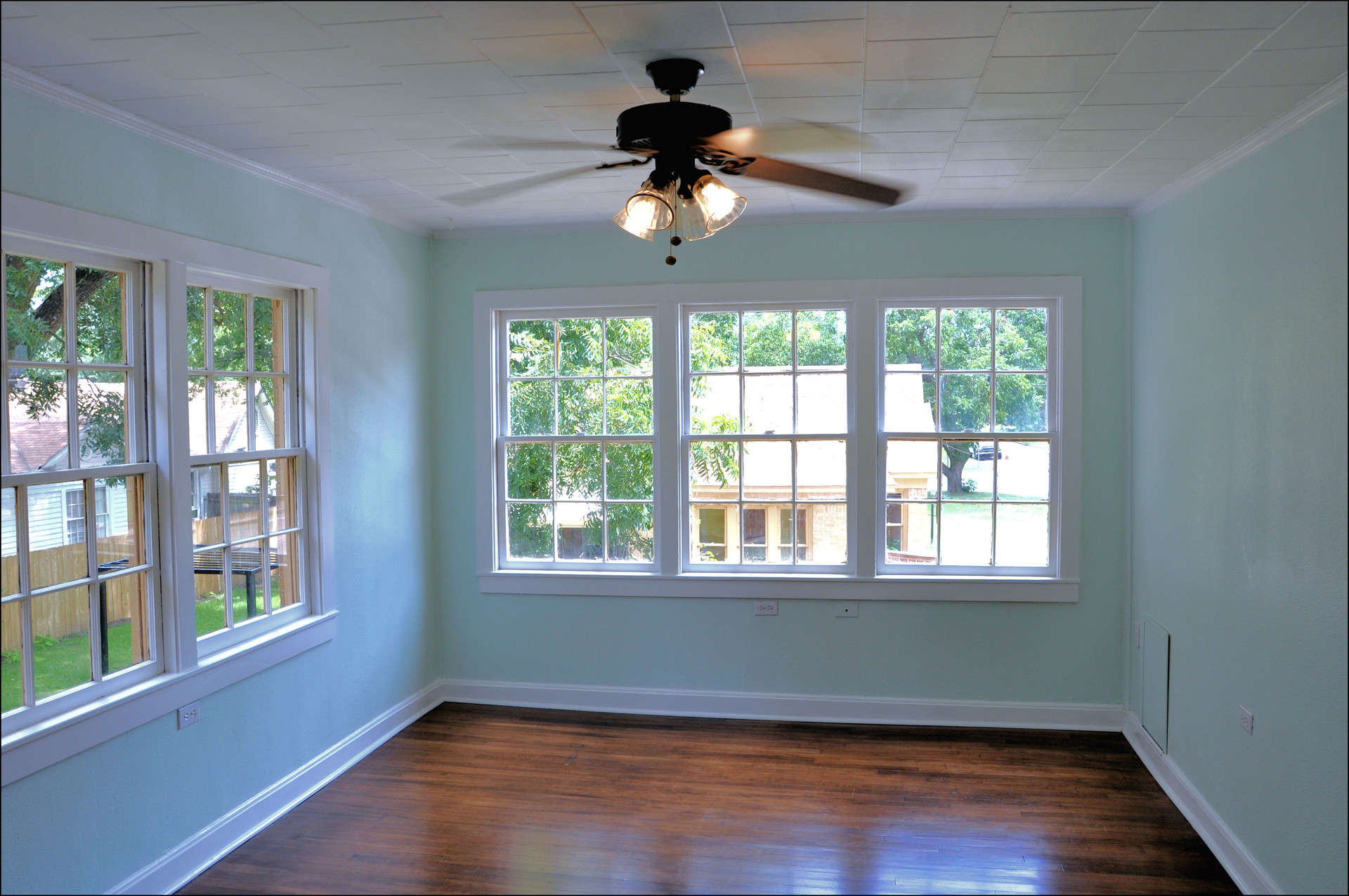 Garage Apartment Living Area.jpg