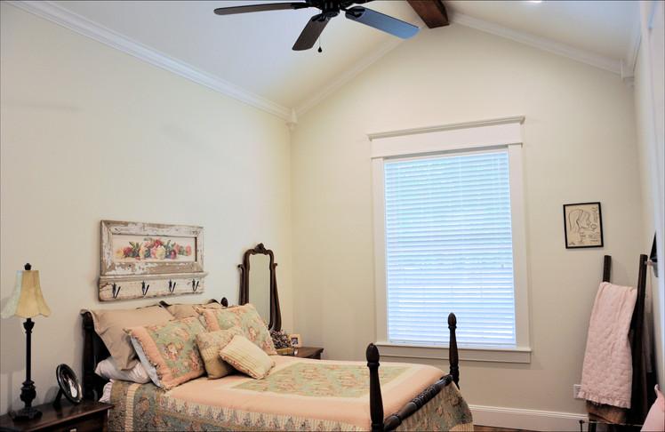 Bedroom 2 - 048.jpg