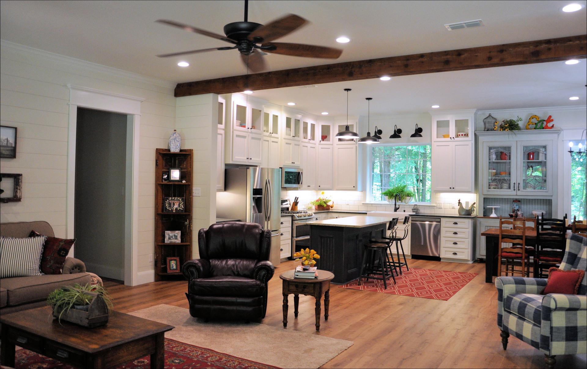 Living Area - 018.jpg