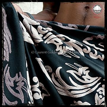 "Throw style ""Akbar""- col Black - 150x200 - 100% wool"