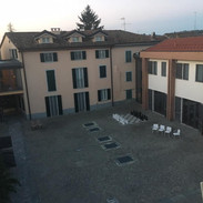 il cortile interno del Borgo.jpg