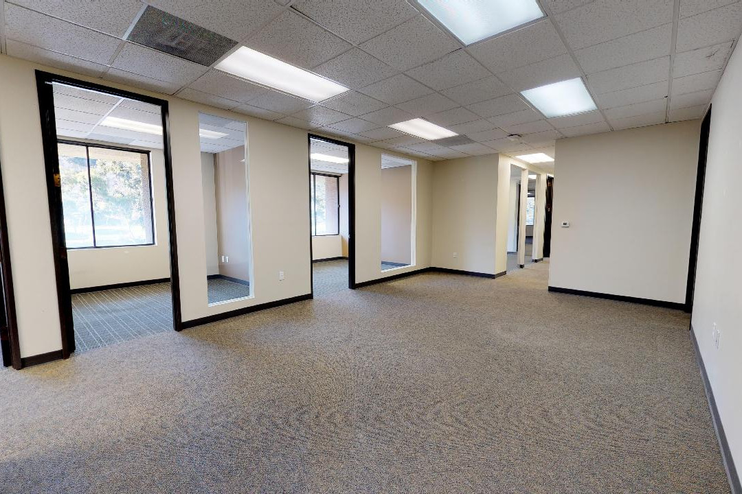 Offices & Bull Pen - Suite 210