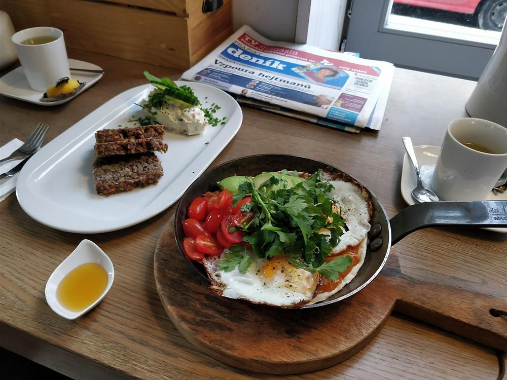 Bistro Proti proudu Karlín (snídaně)