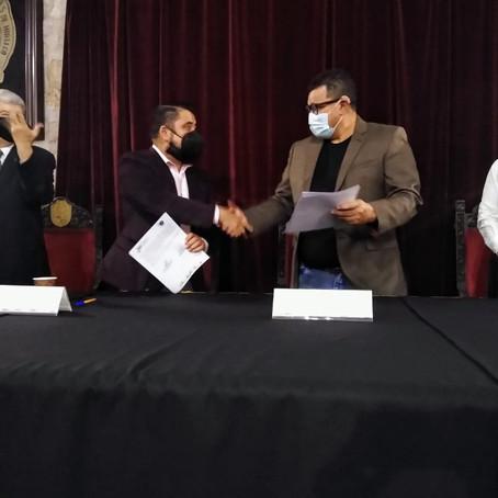 Signan convenio de colaboración colectivo de abogados y asociación para sordos