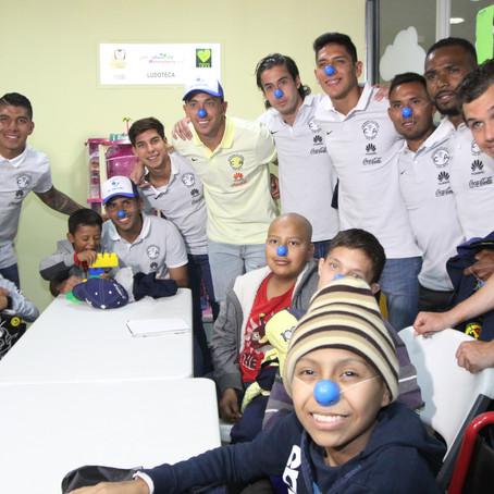 VISITA SORPRESA DE JUGADORES DEL CLUB AMÉRICA A NIÑOS CON CÁNCER DEL CENTRO MÉDICO SIGLO XXI