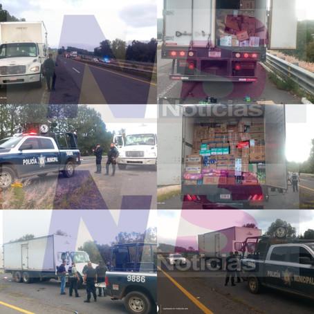 SP recupera en Las Trojas dos vehículos retenidos por normalistas en caseta de Zirahuén