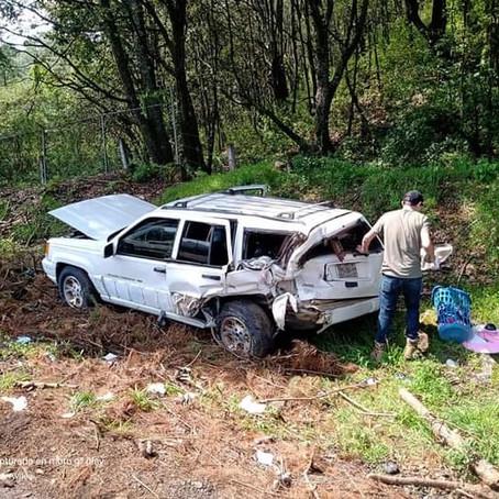 Choque deja 5 lesionados en la autopista Pátzcuaro-Uruapan