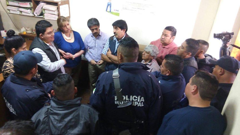 Policías_municipales_de_Pátzcuaro_se_manifiestan_(2).jpg