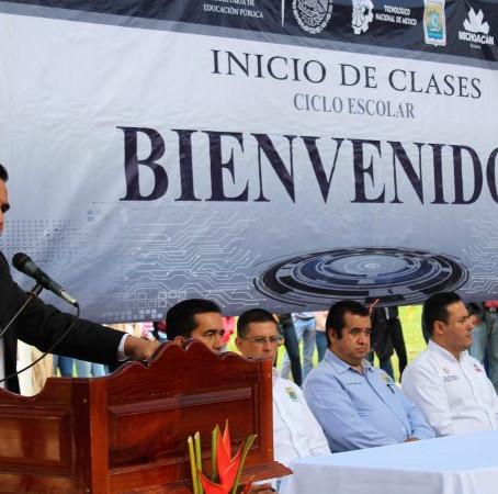 DIRECTOR DEL TEC DE TACÁMBARO RECHAZA QUE HAYA MALOS MANEJOS EN EL PLANTEL