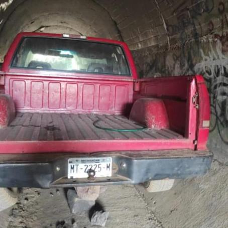 Localizan camioneta con reporte de robo, en Pátzcuaro