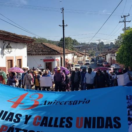 COLONIAS Y CALLES UNIDAS A.C REALIZAN MARCHA EN APOYO A MAESTROS Y EN RECLAMO A PAPELITO HABLA