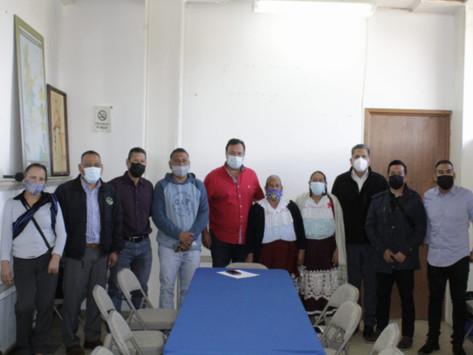 AUTORIDADES AUXILIARES DE JANITZIO ENTREGAN PETICIONES AL PRESIDENTE MUNICIPAL