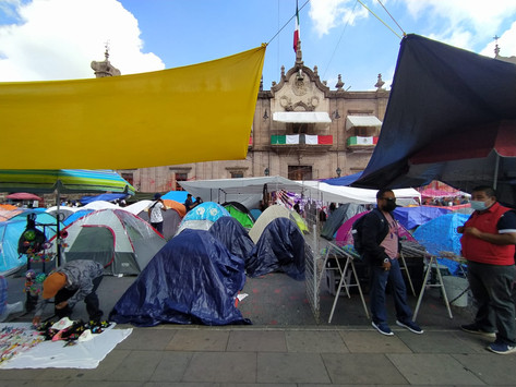 CNTE mantiene bloqueos en Morelia a espera de solución de nuevo gobierno