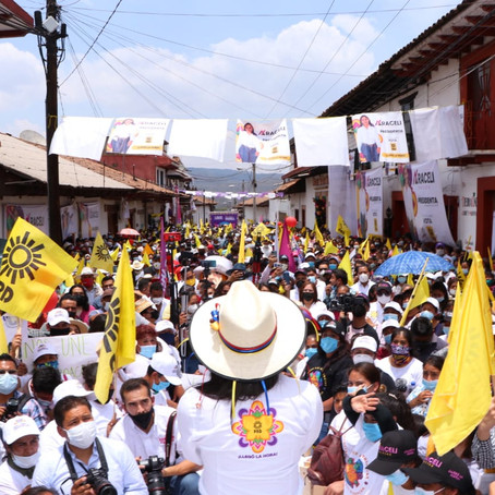 ARACELI SAUCEDO AVASALLANTE EN SALVADOR ESCALANTE