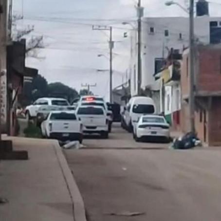 En Pátzcuaro, asegura FGE a dos con armas de fuego