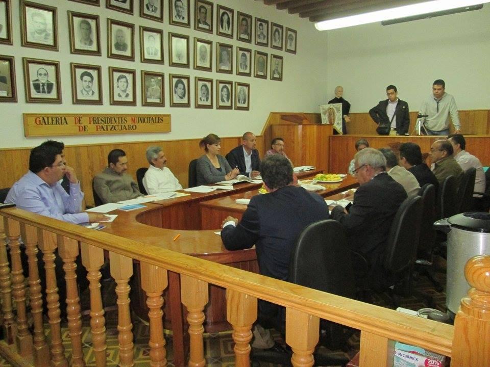 Reunión entrega recepcion ayuntamiento patzcuarense