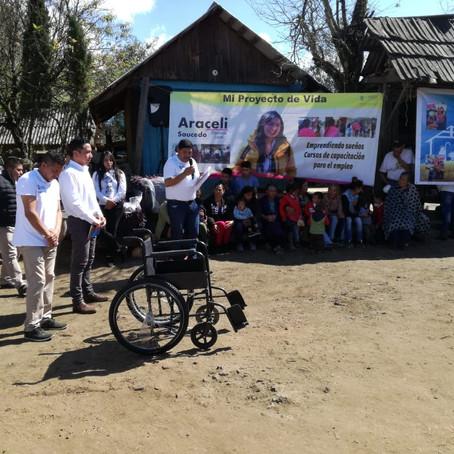 Araceli Saucedo entrega aparatos funcionales en el Distrito de Pátzcuaro