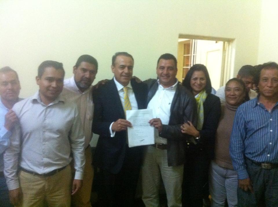 Hilario Díaz Martínez se registra como precandidato para la alcaldía de Pátzcuaro