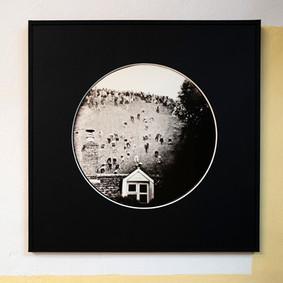 Papel negro. Passepartout con ventana circular