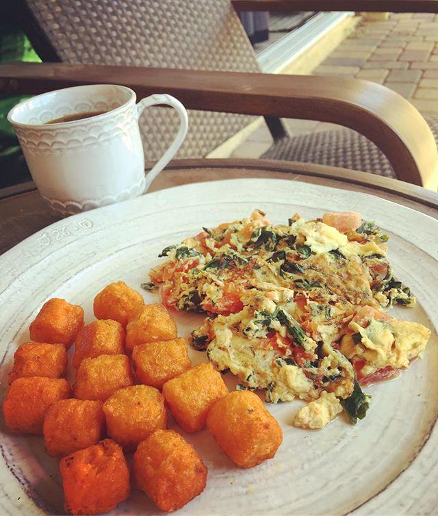 Sunday breakfast alfresco.jpg