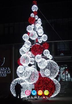 Ball Christmas Tree Red & White.jpg