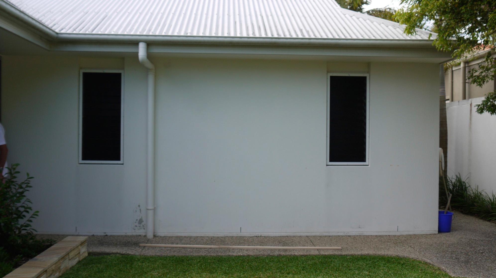 the blank wall-width 8.5m