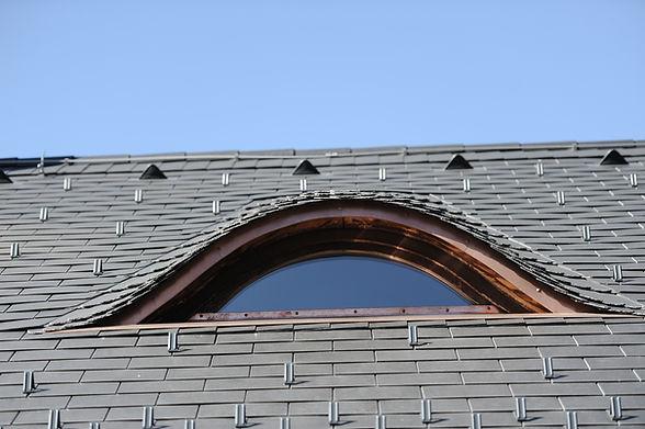 Steildach mit Gaupe Eternit 3.jpg