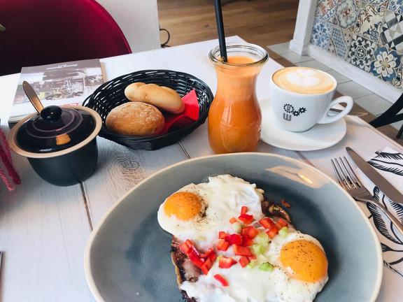 KaffeeWerkstadt Frühstück Ham and Eggs