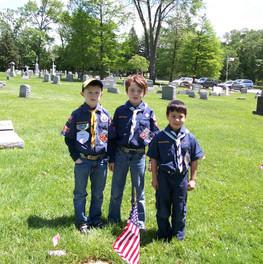 Memorial Day Flagging 2013 002.jpg