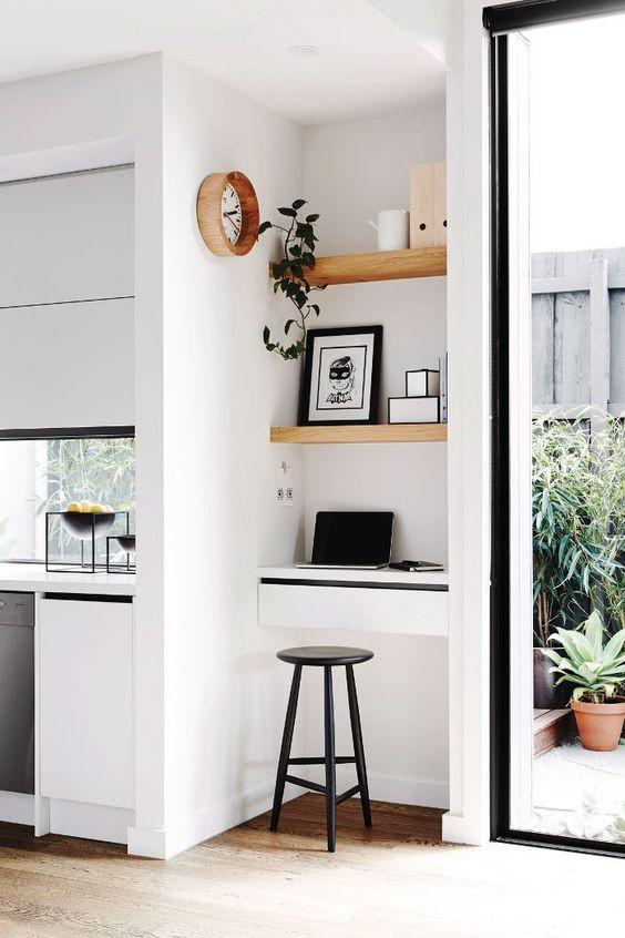 גם אתם התחלתם לעבוד מהבית? המדריך לעיצוב פינת עבודה שתפורה עליכם