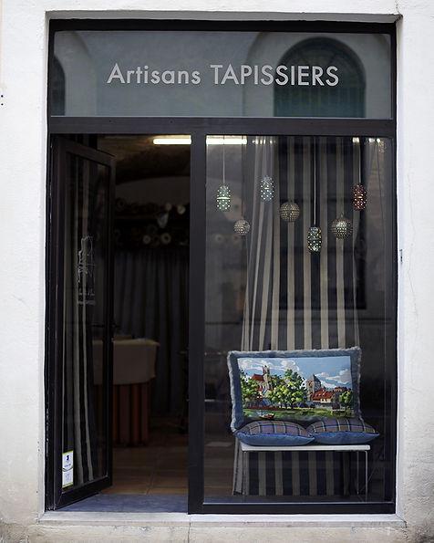 Charlotte et claire | Artisan Tapissier à Nimes | 26 rue de l'Agau