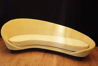 Mobilier Moderne et Contemporain   Charlotte et Claire   Tapissier d'ameublement Nimes   Canapé 4 places   Garniture moderne  Coussin mousse   Finition passepoil   Tissu velours
