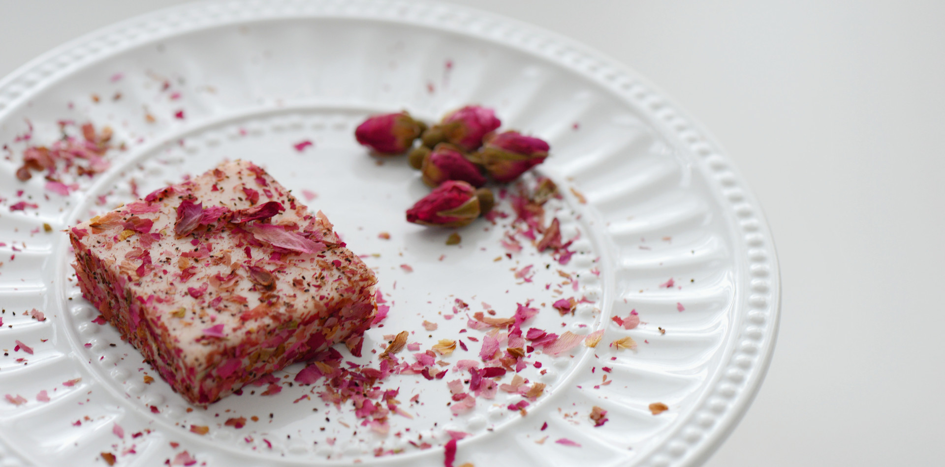 Nama Chocolate - Rose and Strawberry
