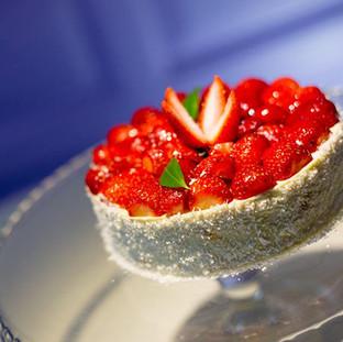 Tort cu Fructe- 110.71/kg