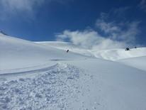 Skitour im Prättigau mit Bergführer -  traumhafter Schnee am Fadeuer