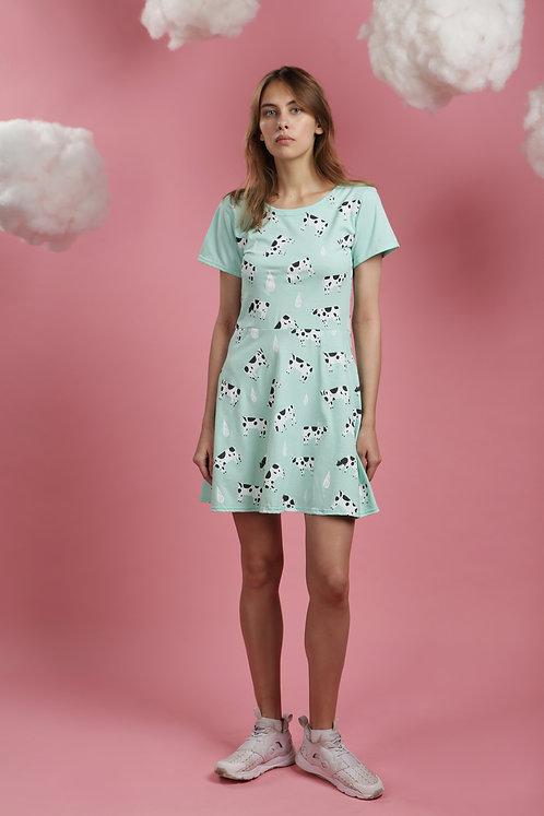 Платье мятное с коровками