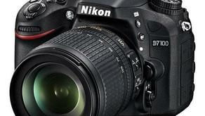 Nikon D7100 24.1 MP DX-Format CMOS Digital SLR w/ 18-105mm f/3.5-5.6G VR ED Lens
